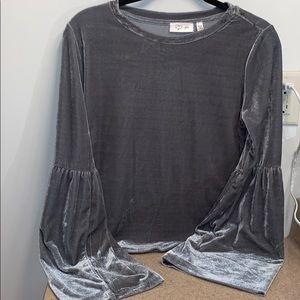 Grey Crushed velvet long sleeved top